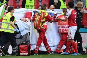 Tạm hoãn trận đấu Đan Mạch-Phần Lan vì Eriksen bị gục ngã trên sân