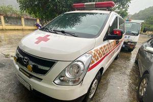 Kiểm tra xe cứu thương, phát hiện nhiều người đi từ Bắc Ninh về Sơn La