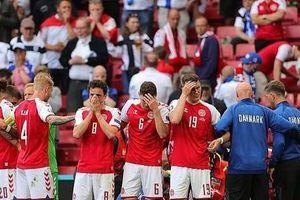SỐC: Ngôi sao Đan Mạch Christian Eriksen đột quỵ ngay trên sân