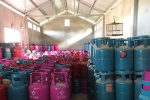 Số lượng lớn chai LPG có dấu hiệu vi phạm quyền SHTT bị tạm giữ