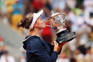 Barbora Krejcikova lần đầu tiên vô địch đơn nữ Roland Garros