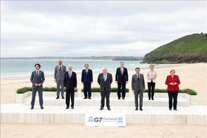 Tổng thống Mỹ, Pháp thảo luận một loạt vấn đề quan trọng