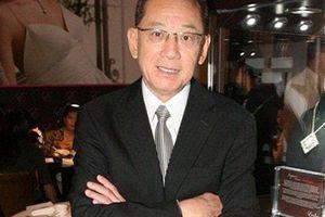 Anh thợ đồng hồ vô danh ngồi 'ngai vàng' quyền lực nhất Hong Kong