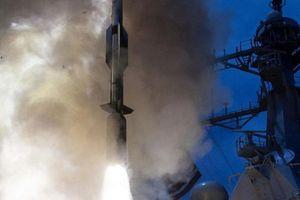 JB Press: Tàu chiến Nga cản trở vụ phóng tên lửa SM-6 Dual-II của Mỹ