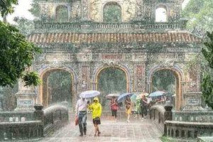Bão số 2 gây mưa to ở Bắc và Bắc Trung Bộ