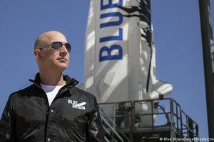 Chốt giá 28 triệu USD cho tấm vé 'lên trời' cùng Jeff Bezos