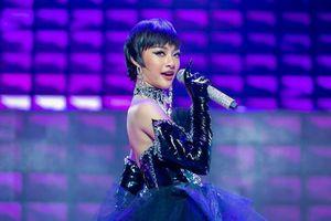 Lona hát hit của Binz, khiến Khắc Hưng bối rối vì quá xinh đẹp
