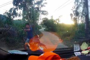 Sau tai nạn, thanh niên dùng súng tự chế bắn tài xế xe tải