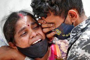 'Ở Ấn Độ, người ta để xác chết trước cửa mà không báo chúng tôi'