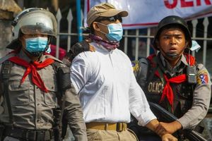 Chính quyền quân sự Myanmar bắt hàng loạt bác sĩ