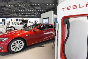 Các đại lý xe hơi Mỹ chuẩn bị cho tương lai ôtô điện