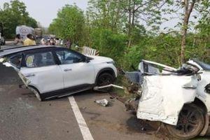 Kia Seltos đứt đôi sau một tai nạn kinh hoàng