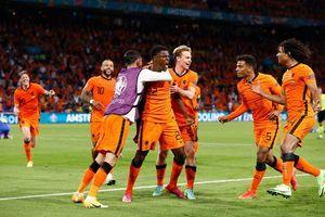 Hà Lan giành chiến thắng kịch tính trước Ukraine