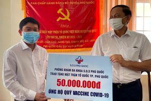 Phú Quốc tiếp nhận gần một tỷ đồng ủng hộ Quỹ vaccine phòng, chống Covid-19