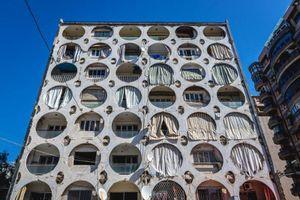 10 tòa nhà kỳ lạ khiến bạn tự hỏi sẽ sống thế nào ở bên trong?