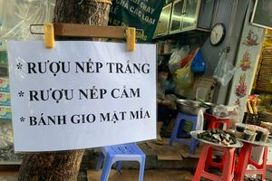 Cảnh chợ đìu hiu 'ế ẩm' ngày Tết Đoan Ngọ tại Hà Nội