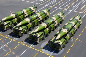 Cận cảnh sức mạnh loại tên lửa DF-26 khiến Mỹ 'đứng ngồi không yên'