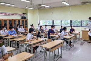 Gần 10.000 thí sinh thi vào lớp 10 chuyên Hà Nội