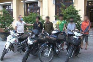 Bắt nhóm trộm 'nhí' chuyên 'dắt hộ' xe mô tô