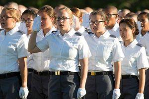 Một sĩ quan Bộ Quốc phòng Mỹ bị buộc tội trục lợi từ 'các học viên ma'