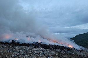 Cháy lớn tại khu vực bãi rác Khánh Sơn