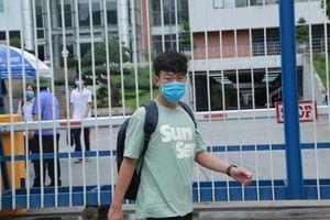 Sáng nay (14/6), gần 8000 thí sinh làm bài thi vào lớp 10 THPT chuyên của Hà Nội