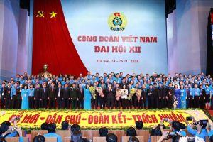Nghị quyết của Bộ Chính trị về đổi mới tổ chức và hoạt động công đoàn trong tình hình mới