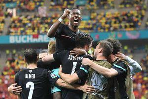 Alaba lập công chuộc tội, ĐT Áo lần đầu giành chiến thắng ở VCK EURO