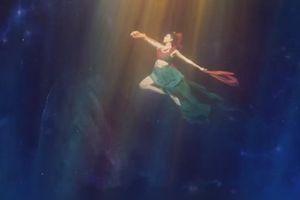 Mãn nhãn điệu múa dưới nước ghi hình trong 26 giờ đồng hồ ở Trung Quốc