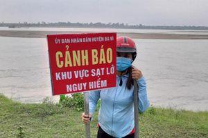 Khẩn cấp xử lý sự cố sạt lở kè Cổ Đô, Linh Chiểu