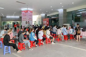 100 cá nhân tiêu biểu đã hiến tặng hơn 3.200 đơn vị máu