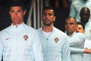 Trước trận mở màn ở EURO 2020, Cristiano Ronaldo thúc đẩy cả đội, thể hiện tầm lãnh đạo