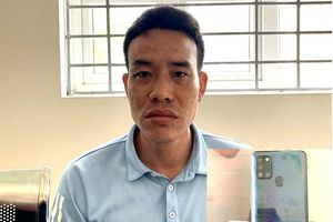 Công nhân vận hành máy xúc tàng trữ trái phép chất ma túy