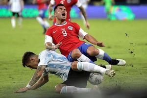 Tuyệt phẩm của Messi và cú sốc trên sân Olympico