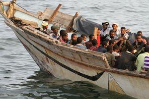 Thuyền chở di dân bị đắm, thi thể dạt vào bờ Biển Đỏ