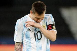 Messi không cứu nổi Argentina