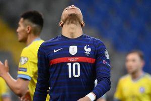 Có khi nào tuyển Pháp tự hủy diệt mình?
