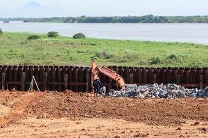Hà Nội: Công ty CP Nước mặt sông Hồng chậm khắc phục sự cố nứt đê sông Hồng