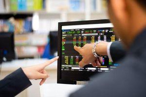 Bán mạnh, VN-Index thu hẹp đà tăng