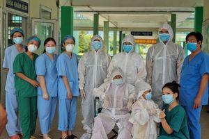Đà Nẵng: Cụ bà 81 tuổi mắc Covid-19 đã khỏi bệnh và xuất viện