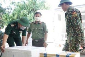 Bàn giao vụ án mua bán, vận chuyển, tàng trữ trên 6.000 kíp nổ cho Công an tỉnh Quảng Ngãi