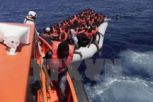 Hơn 2.000 người được giải cứu ngoài khơi bờ biển Libya