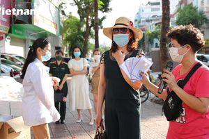 Người dân Hà Nội hỗ trợ những hoàn cảnh khó khăn trong dịch bệnh