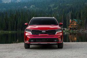 Kia Sorento cho Hyundai Santa Fe 'hít khói' về doanh số