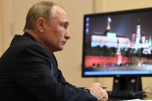 Tổng thống Putin: Nước Nga sẽ không sụp đổ nếu tôi rời nhiệm sở