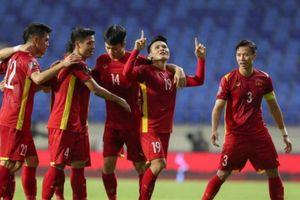 Báo Trung Quốc nể phục, muốn được tuyển Việt Nam hỗ trợ