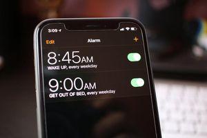 Vì sao iPhone chỉ cho bạn 'ngủ nướng' thêm đúng 9 phút mỗi sáng?