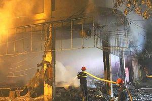 'Nóng': Cháy phòng trà giữa đêm, ít nhất 6 người thiệt mạng tại Nghệ An