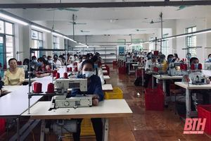 Trên 100 lao động nông thôn huyện Lang Chánh được trang bị kiến thức nghề may công nghiệp