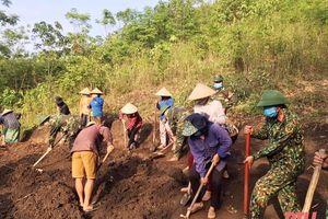 Huyện Mường Lát chú trọng công tác xây dựng và chỉnh đốn Đảng